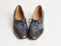 Vintage 70s Gray Suede Lace Up PUMPS / 1970s Leather Captoe Booties 8.5 1970s