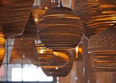 Una selección de objetos de diseño elaborados en cartón reciclado: Lámparas de cartón reciclado de GrayPants