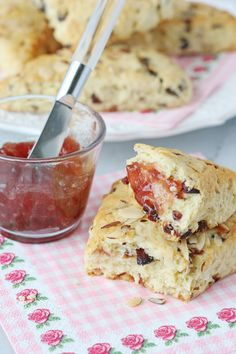Delicious Homemade Scones! This recipe can be adjusted with a variety of mix ins! from @glorioustreats