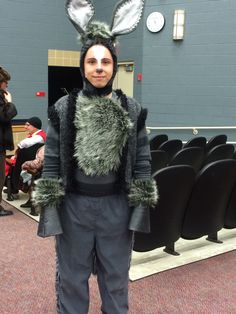 Shrek, The Musical. Shrek Donkey Costume, Ant Costume, Theatre Costumes, Diy Costumes, Halloween Costumes, Alice In Wonderland Play, Wonderland Party, Carnival Floats, Animal Costumes