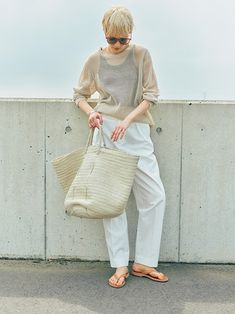 60 Fashion, Womens Fashion, Comfortable Outfits, Straw Bag, My Style, How To Wear, Clothes, Colors, Cozy Outfits