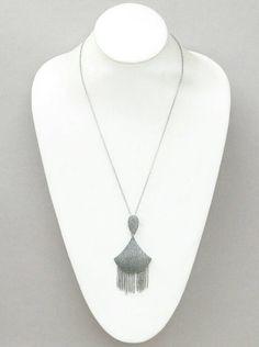 Mira este artículo en mi tienda de Etsy: https://www.etsy.com/listing/230294279/tassel-necklace-a-unique-creative-design