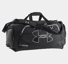 THE FUNDAMENTALSUA Storm gear uses a DWR finish to repel water without sacrificing breathabilityAdjustable, padded, HeatGear® shoulder strap for total comfort2 large vented end pockets, 1 expandable for laundry