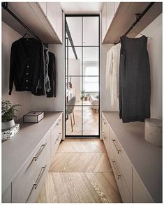 Small Walk In Wardrobe, Walk In Wardrobe Design, Wardrobe Interior Design, Wardrobe Design Bedroom, Small Walking Closet, Small Walk In Closet Ideas, Small Dressing Rooms, Dressing Room Design, Closet Renovation
