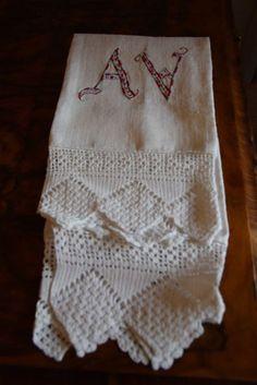 Asciugamani cotone operato bordo pizzo.A.V. 117x68 Cotton Towel B20 Serviette