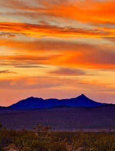 Mojave Desert Sunrise ~stunning  This is about 45 minutes from my home