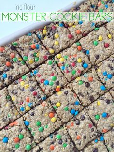 NO FLOUR monster cookie bars - makes a ton and easy to freeze Yummy Treats, Delicious Desserts, Sweet Treats, Yummy Food, Gluten Free Desserts, Gluten Free Recipes, Gluten Free Bars, Cookie Recipes, Dessert Recipes