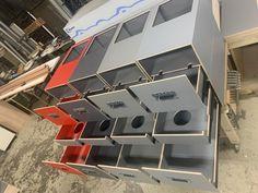 MICA Camperbox met zit, keuken en bed module! - 3DotZero Automotive BV Volkswagen Caddy, Kangoo Camper, Camping Box, Mini Camper, Stainless Steel Sinks, Water Supply, Water Tank, Outdoor Life, Campervan