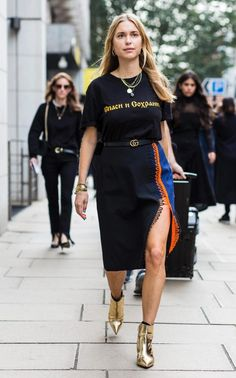 Tonnevis av inspirasjon rett fra gaten i London! Street Style Trends, Street Style Women, Cowboy Boot Outfits, Cowboy Boots, Silver Metallic Shoes, Gold Boots, Casual Outfits, Fashion Outfits, Adidas Outfit