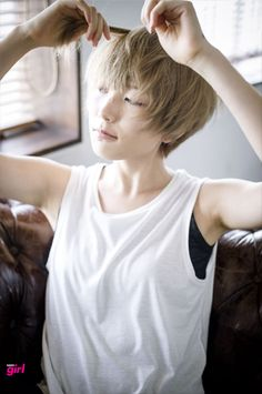 """The short cut called """"pixie cut"""" is more and more popular among people and the street. To know everything about this trendy haircut, we asked Patrick Lagré, artistic director of the Toni & Guy hair salons . Odd Girl Out, Short Hair Cuts, Short Hair Styles, Blonde Asian, Toni And Guy, Japanese Hairstyle, Trendy Haircuts, Different Hairstyles, Long Lashes"""