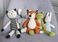 Elmo Fox knitted toy delights children and child-spirited adults. This toy is 28 cm tall and made of cotton yarn. Child And Child, Elmo, Fox, Textiles, Kids Rugs, Children, Cotton, Young Children, Boys