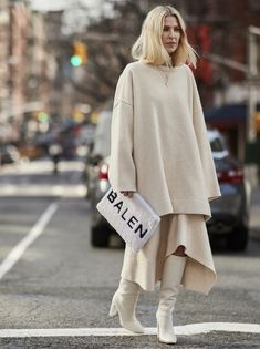 NY Fashion Week F/W street style, cream white color outfit from head to toe, cream off white midi skirt sweater and knee high boots, Ny Fashion Week, Fashion 2018, New Fashion, Trendy Fashion, Winter Fashion, Fashion Outfits, Womens Fashion, Fashion Trends, Style Fashion