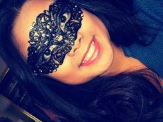 Mascarade wonder DIY Mask -- Puff Paint