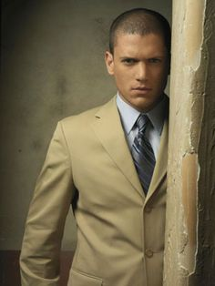 Favorite Movie/TV Characters Michael Scofield- Prison Break Played by Wentworth Miller Michael Scofield, George Clooney, Gorgeous Men, Beautiful People, Hello Gorgeous, Wentworth Miller Prison Break, Sexy Gay Men, Cw Series, Christian Grey