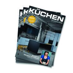 Die perfekte Küche planen, kaufen und dabei auch noch mehr Vorteile genießen – geht das überhaupt? 🧐 Ja, selbstverständlich! 😃 Alle Küchen-Inspirationen und Neuheiten finden Sie im neuen Küchenmagazin der MHK Küchenspezialisten mit dem roten Dreieck!  Das 134 Seiten starke Küchenmagazin mit geballter Information zu den neuesten Trends und Innovationen in der Küche gibt's jetzt kostenlos bei uns im Studio. Innovation, Tricks, Modern, Studio, Cards, News, Kitchen Inspiration, Triangles, Benefits Of