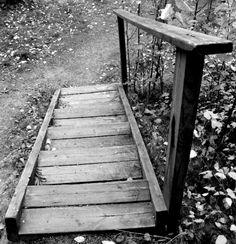 Syksyiset portaat. Lähtiskö vaikka lenkille? #framille2013 #mustavalko #valokuvaus