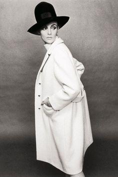 Terence Donovan // Harpers Bazaar, april 1964: Grace Coddington