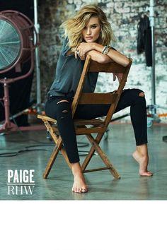 Rosie Huntington Whiteley x Paige Denim hair poses – Hair Models-Hair Styles Paige Denim, Model Poses Photography, Photography Ideas, Photography Lighting, Photography Accessories, Photography Tutorials, Photography Business, Photography Studios, Editorial Photography