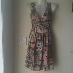 Floral deep v-neck dress Brand new with tag never been worn Dresses Midi