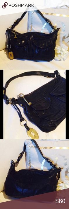 Fossil vintage collection black hobo purse Black leather fossil hobo with gold metal hardware is part of the vintage collection. In excellent condition.  8 x 12 x 2.5 Fossil Bags Hobos