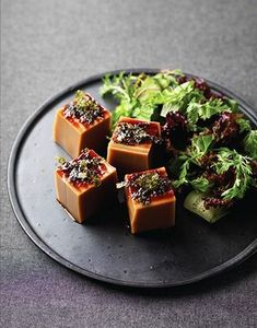Wedding food korean ideas for 2019 Korean Appetizers, Appetizer Recipes, Korean Food Side Dishes, Food Plating Techniques, Tapas, No Cook Meals, Asian Recipes, Food Inspiration, Food To Make