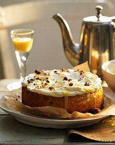 Käsekuchen mit Eierlikör-Sahne - Weihnachten: Kuchen, Torten & Klassiker - [LIVING AT HOME]