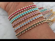 Pratik Bileklik - Discover recipes, home ideas, style inspiration and other ideas to try. Bracelet Crafts, Seed Bead Bracelets, Seed Bead Jewelry, Bead Jewellery, Jewelry Crafts, Armband Diy, Beaded Bracelet Patterns, Beaded Earrings, Popsicle Stick Crafts
