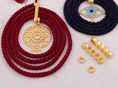 gouria me kordoni k eksartima 223231 copy Christmas 2019, Christmas Crafts, Christmas Decorations, Tassel Necklace, Crochet Necklace, Lucky Charm, Charmed, Decorating, Jewelry