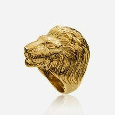 Gold Lannister ring by Aristocrazy  http://cuchurutu.blogspot.com.es/2014/04/game-of-thrones-fashion-ha-vuelto.html