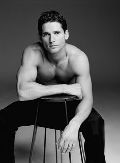 Eric Bana - absolutely LOVE to listen to his accent