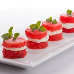 9 TRENDY WAYS TO SERVE WATERMELON - It used to be that watermelon was only served in slices as a refreshing summer treat. Today there are many new trendy ways to dish up an old favorite! These are so pretty and festive. Recipes Using Fruit, Smoked Salmon Appetizer, Popular Recipes, Creative Food, Food Inspiration, Love Food, Food Porn, Food And Drink, Yummy Food