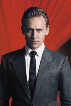 Tom Hiddleston as Dr. Robert Laing. Source: https://www.facebook.com/ifilm.tw/photos/pb.90420602485.-2207520000.1458795217./10154031696317486/?type=3&theater