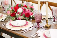 Vintage China and Glassware looks amazing on your Dallas wedding head table and DFW wedding reception! @DixiDoesVintage