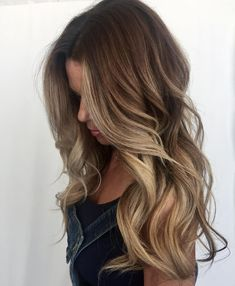 Balayage/ caramel hair color/ longe hair balayage/ long hair color ideas/ subtle highlights / natural looking hair color