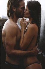 Saxy kissing