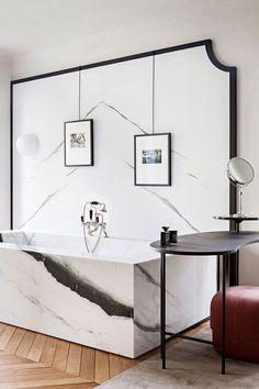 Modern minimal bespoke luxury bathroom/Chateau Saint Cloud/French chateau/Photo: Yenn Deret/marble stone bathrub/marble slab wall/black and white/herringbone hardwood floor Bathroom Interior, Modern Bathroom, Small Bathroom, Bathroom Taps, Master Bathroom, Bathroom Ideas, Parisian Bathroom, Marble Interior, Remodel Bathroom