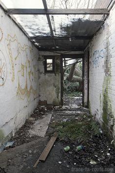 Intérieur d'une maison abandonnée de #Doel #Urbex #StreetArt #Belgique