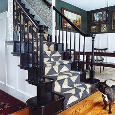 Traditional Wallpaper, Wallpaper Companies, Walk Past, Designer Wallpaper, Daughters Room, Hygge, Pretty Patterns, Pretty Wallpapers
