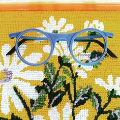 7cefe3ec8e These Monoqool frames are super light hip and simple.  globedesignandvision   globevision  specoftheday