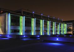 FLUX LIGHTING. ©FRANCOIS MAGOS. Produits utilisés : X-LINE³. Hôtel de Région des Pays de la Loire, Nantes (France). Plasticien Lumière : François Magos.