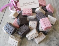 Soap Gifts, Soap On A Rope, Savon Soap, Soap Carving, Soap Maker, Homemade Soap Recipes, Bath Soap, Soap Packaging, Home Made Soap