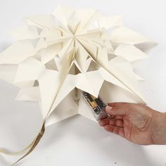 A large and shining Star made from Paper Bags Christmas Envelopes, Christmas Origami, Christmas Bags, Christmas Star, Christmas Crafts, Preschool Christmas, Small Paper Bags, Print On Paper Bags, Upcycled Crafts