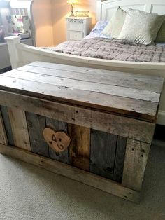 Build this Wooden Pallet Chest | 101 Pallet Ideas                                                                                                                                                                                 More