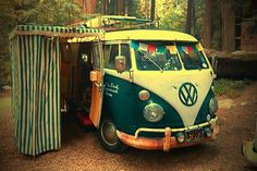Cool VW Bus. I would love to go on a road trip in one of these.