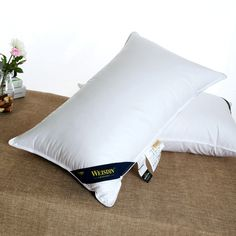 Choose hotel brand pillows from Weisdin, top 10 manufacturer in China, on-time production and quick shipping service, get details today!