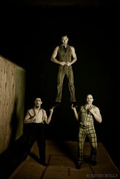 CIRQUE BERZERK (TRAMPOLINE GUYS) by Kevissimo, via Flickr
