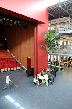 International School Open Theatre - Inspiration for University Campus in Middle East by SI architectects