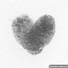Thumb prints of you & someone u love :D If i were ever to consider a tatoo, this might be it! Lottus Tattoo, Fingerprint Heart, Fingerprint Tattoos, Decoration Evenementielle, Thumb Prints, Hand Prints, All You Need Is Love, Be My Valentine, Valentine Hearts
