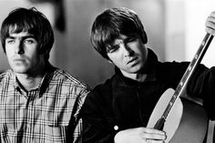 Noel & Liam Gallagher of Oasis Oasis Band, Amy Winehouse, Banda Oasis, Liam And Noel, Band Of Brothers, Oasis Brothers, Britpop, British Invasion, Wonderwall