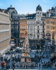 Visit Austria, Baroque Architecture, Danube River, Mountain Village, Central Europe, Beautiful Buildings, Cool Places To Visit, Vienna, Louvre